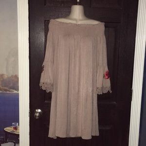 Cold / Off Shoulder Taupe Tunic Blouse XL Roses
